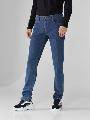 Jeans 370 Close aus blauem Fancy-Denim