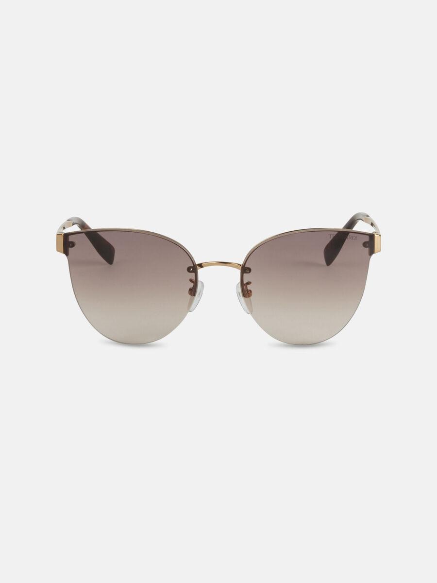 Teardrop sunglasses