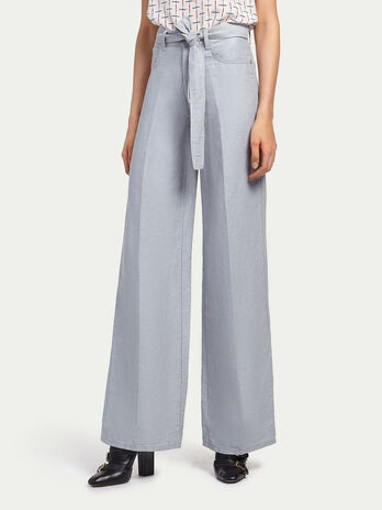 Wide leg jeans with knotted belt