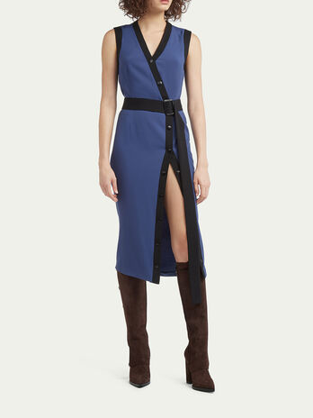 Robe stretch a ceinture et boutons