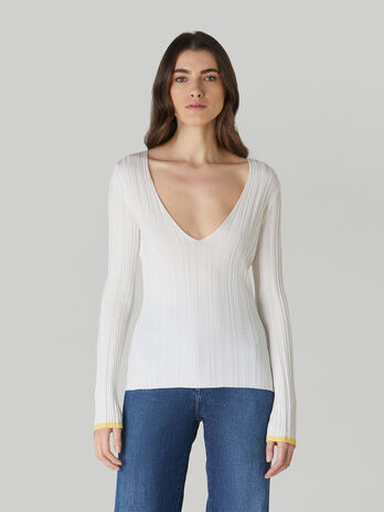 Pullover slim fit in mista viscosa con scollo a V