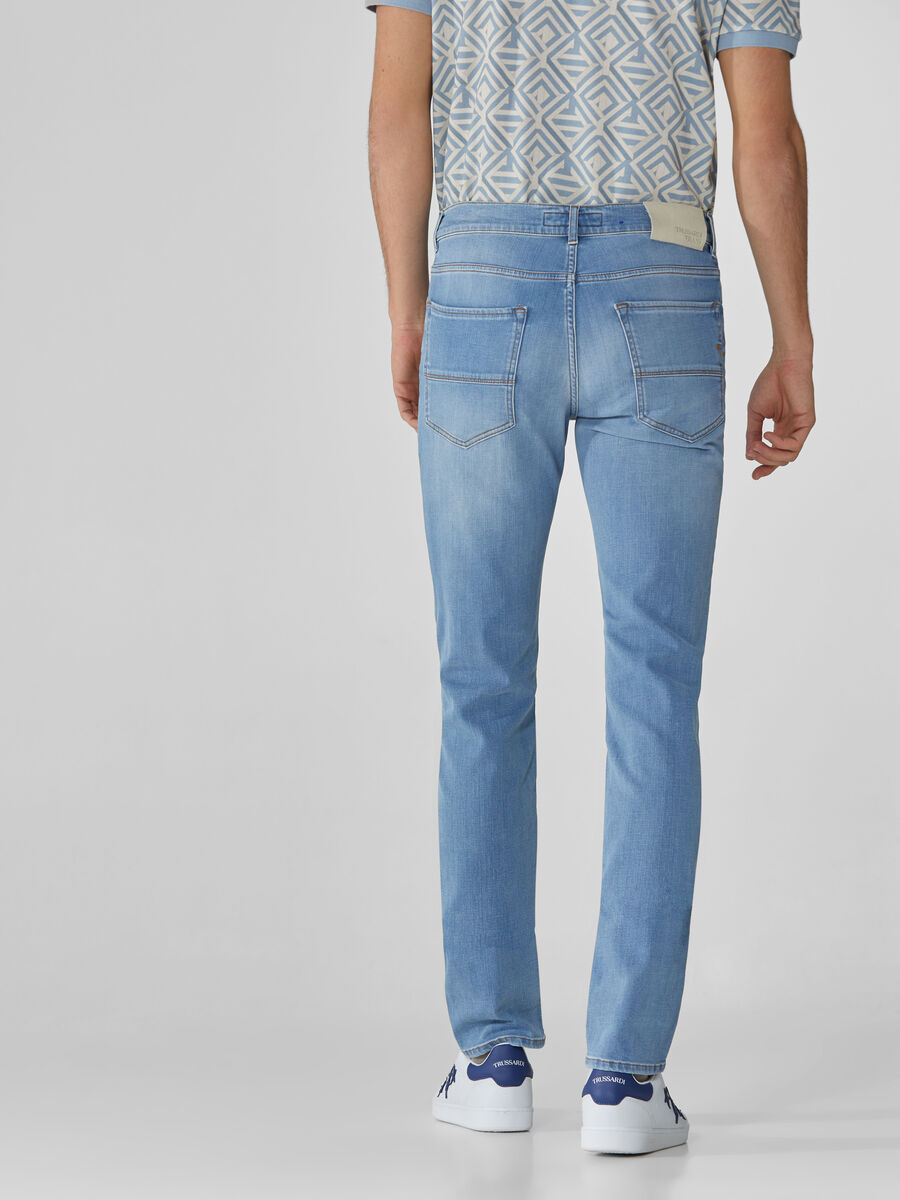 Icon 380 jeans in light blue Cross Caroline denim