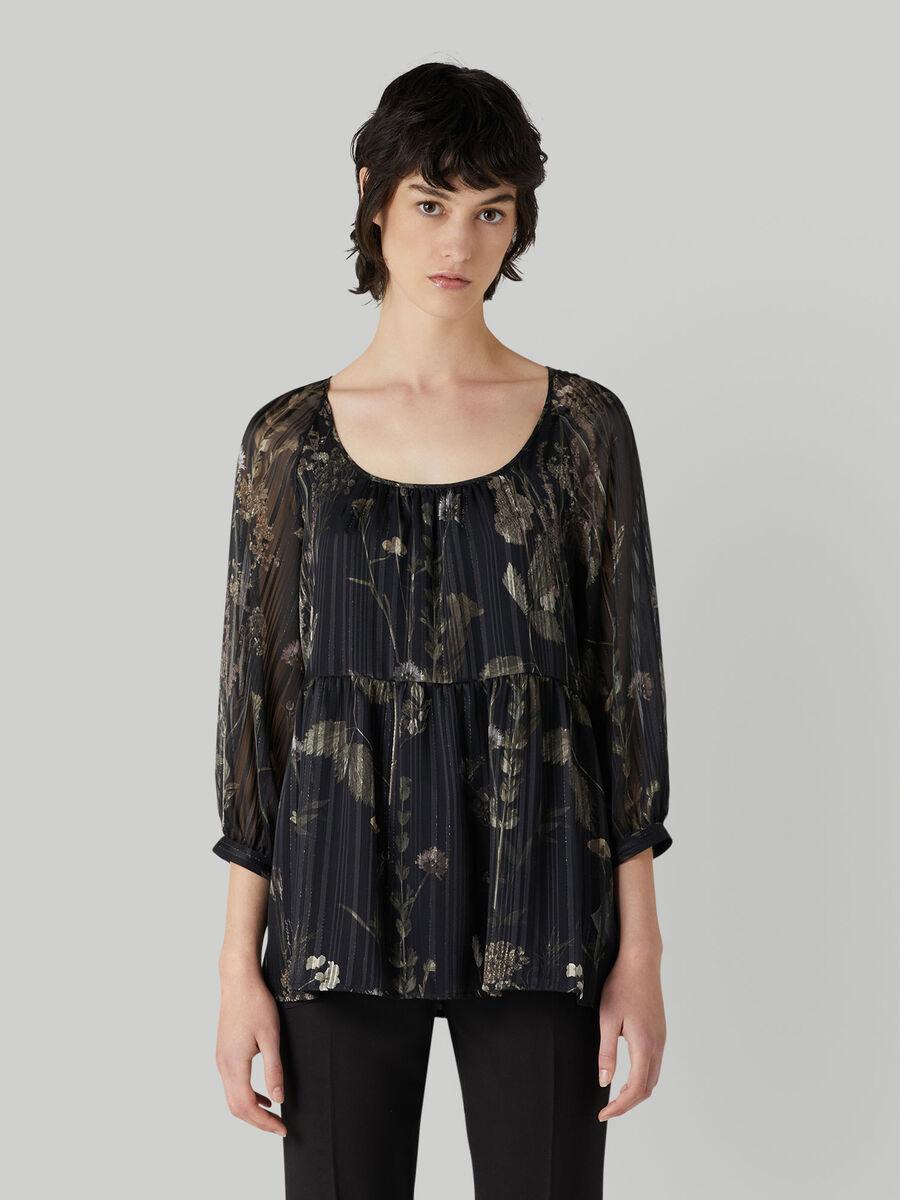 Printed fluid fabric blouse