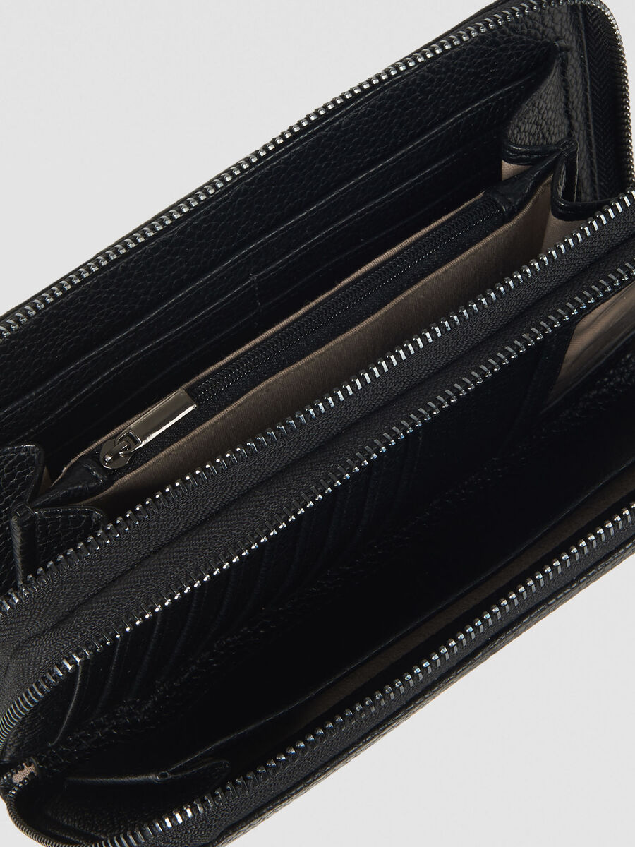 Large Harper Travel purse in faux leather