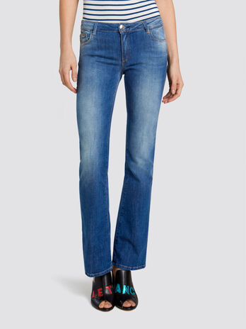 Flared Seasonal 206 jeans in distressed denim