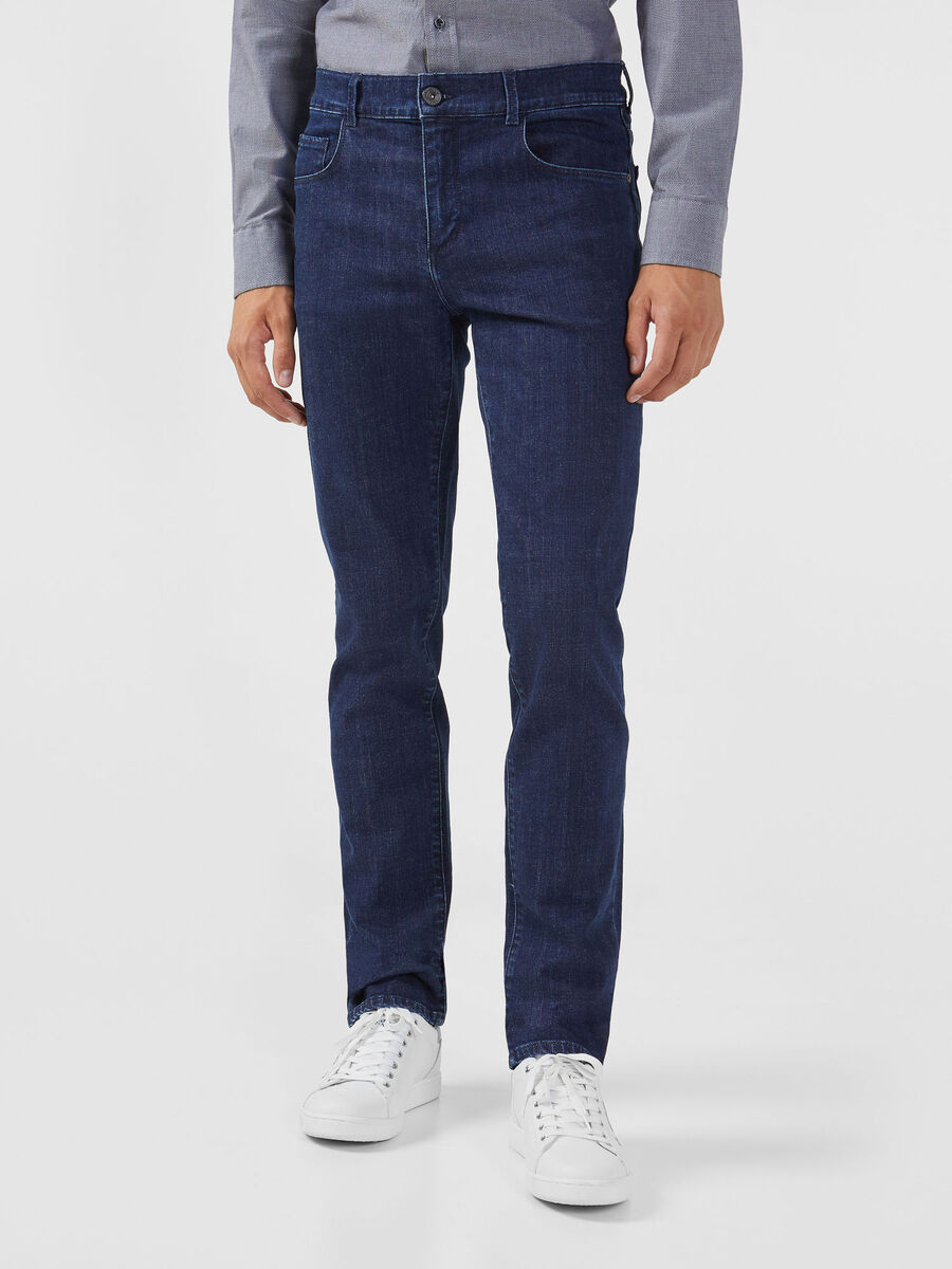 Jeans 370 Close aus dunkelblauem Cairo Denim