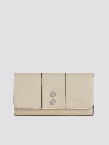 Large Berry bifold purse in faux leather with zip