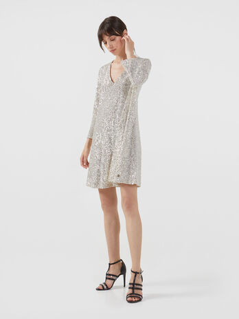 Short sequinned dress