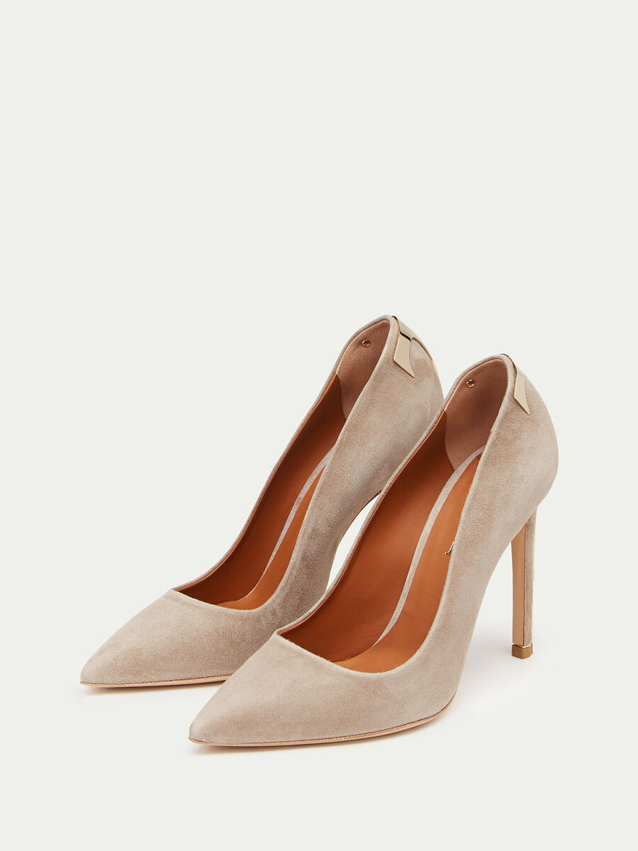 Suede pumps with glossy T logo