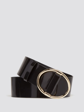 Cintura effetto vernice con fibbia ovale