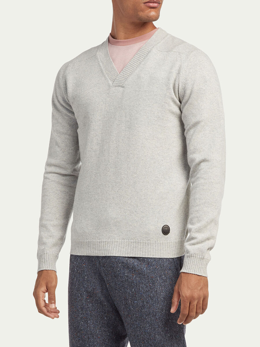Regular fit cashmere blend V neck pullover