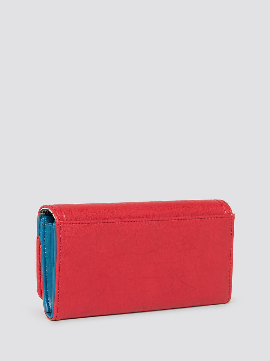 Wallet with bark effect flap