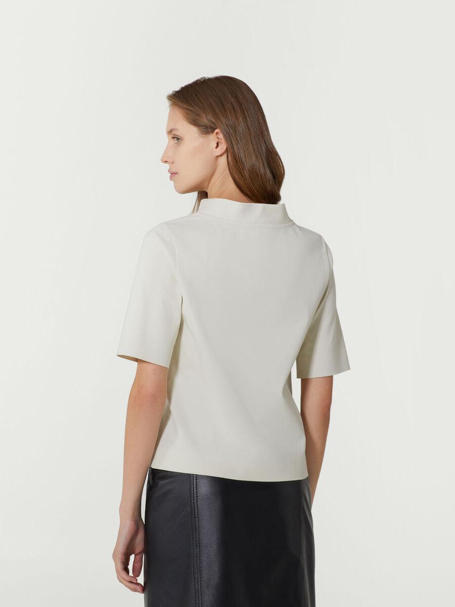 T-shirt coupe classique en coton a logo brode