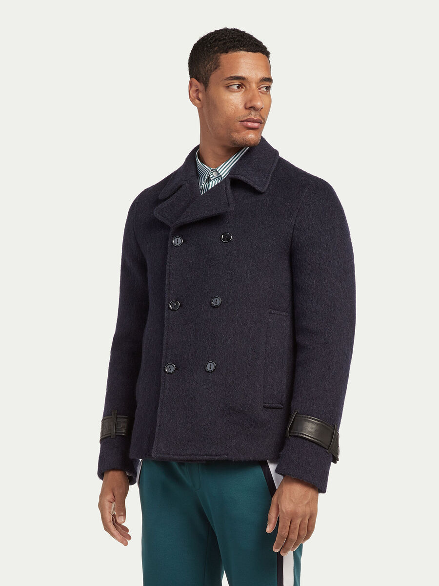 Slim Fit Mantel aus Woll Mohair mit Riegeln