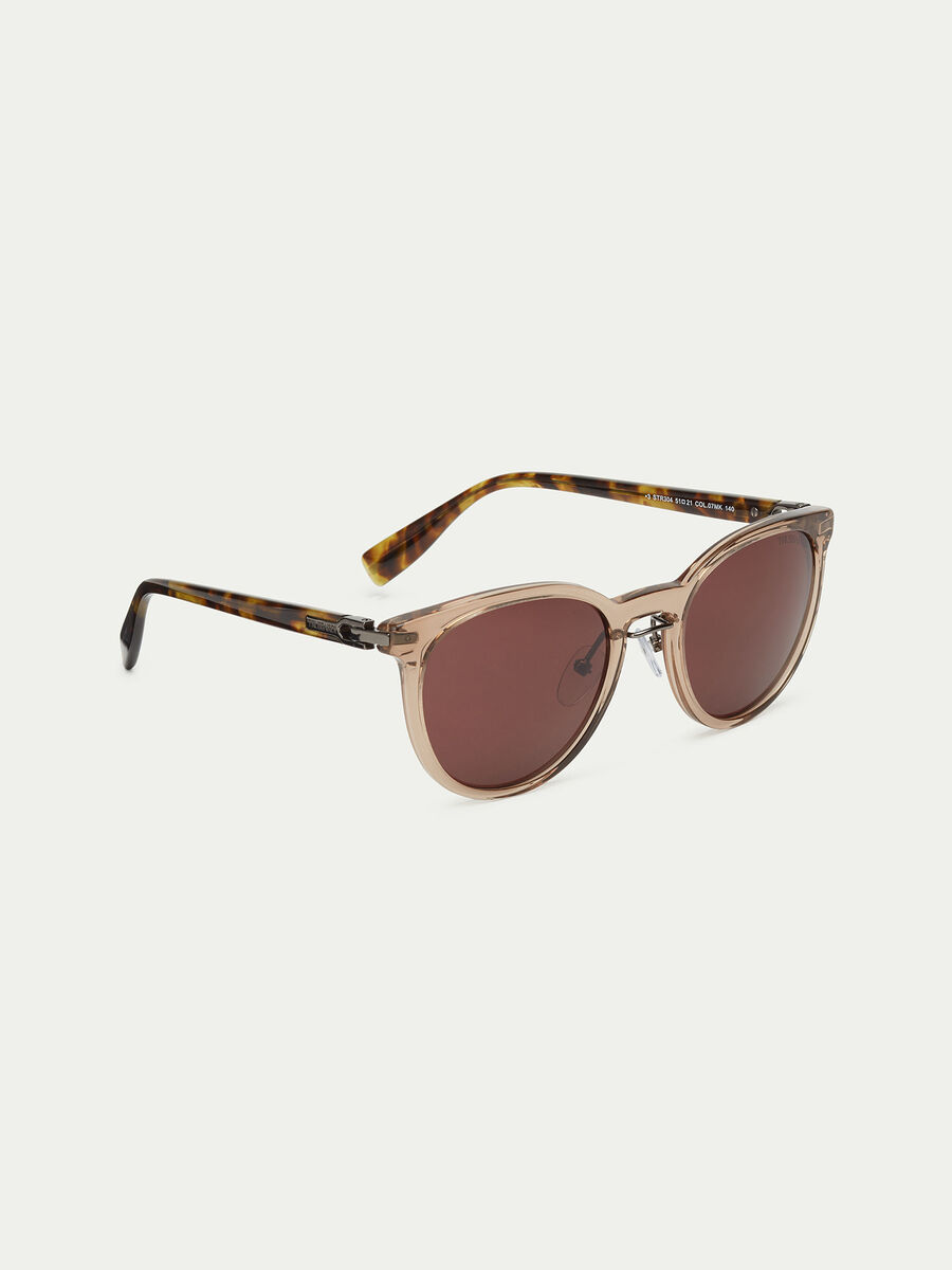 Sunglasses with tortoiseshell temples