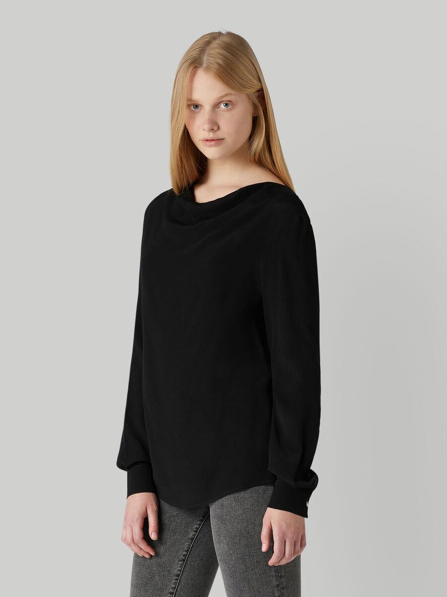 Light crepe blouse