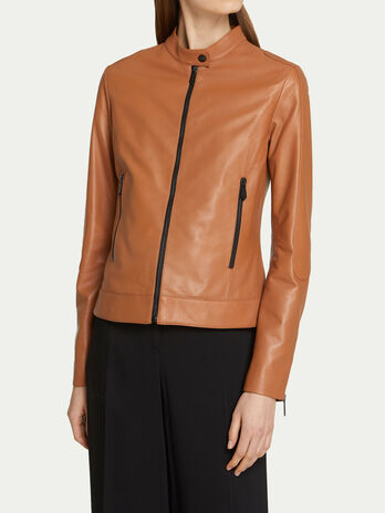 Slim fit solid colour semi matte leather jacket