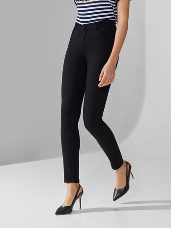 Skinny 105 jeans in black power denim