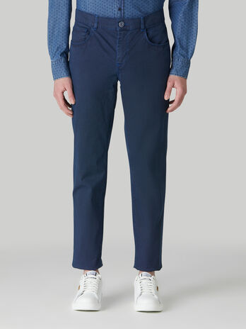 Close 370 trousers in micro-printed cotton