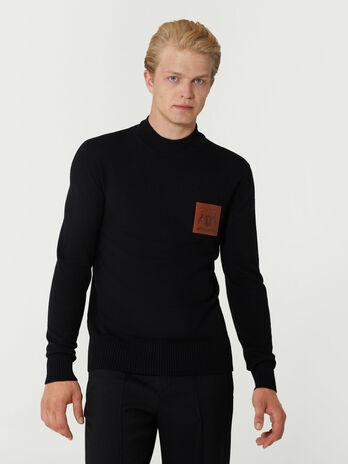 Slim fit wool pullover with branded patch