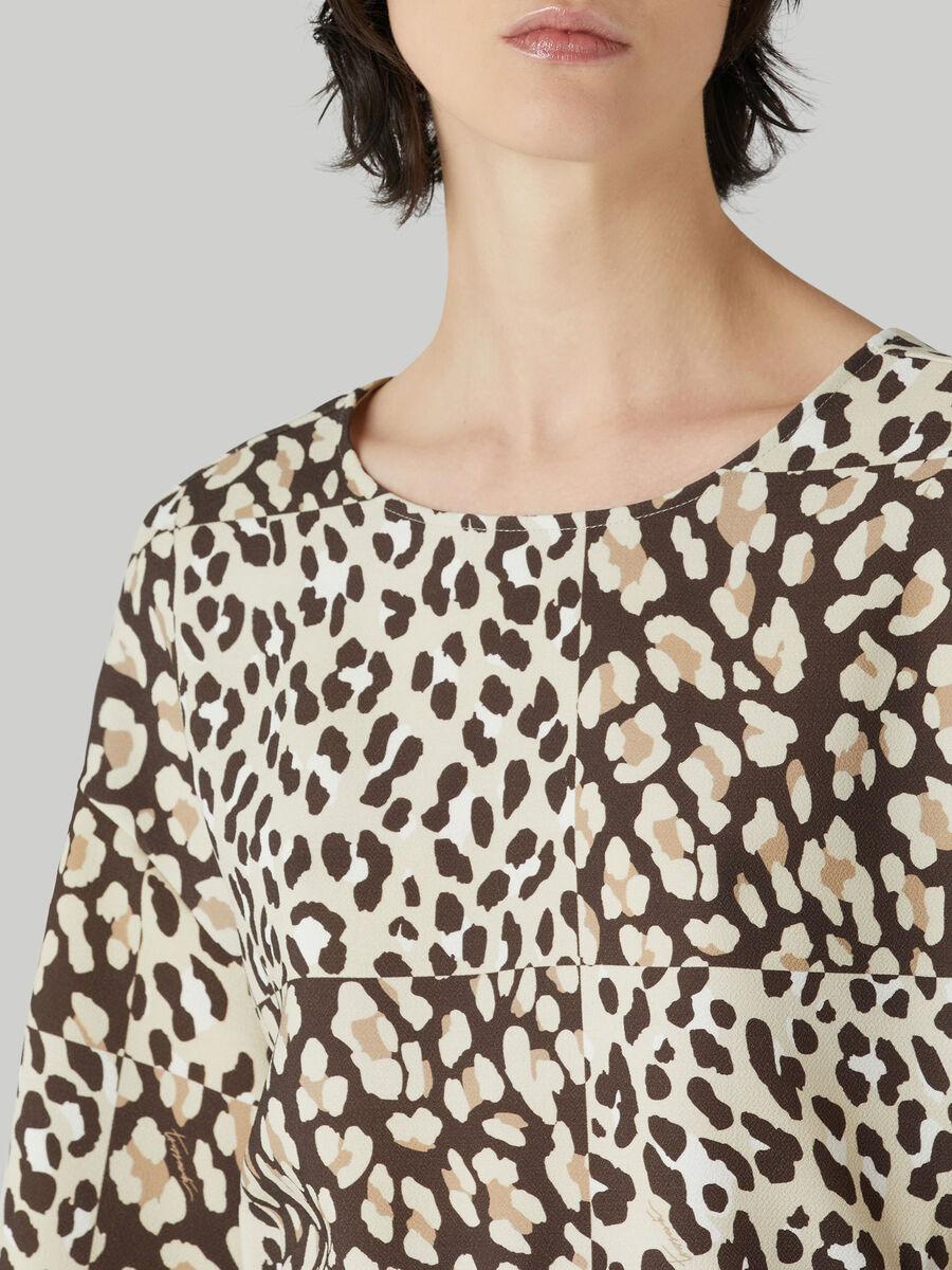 Short dress in animal-print crepe