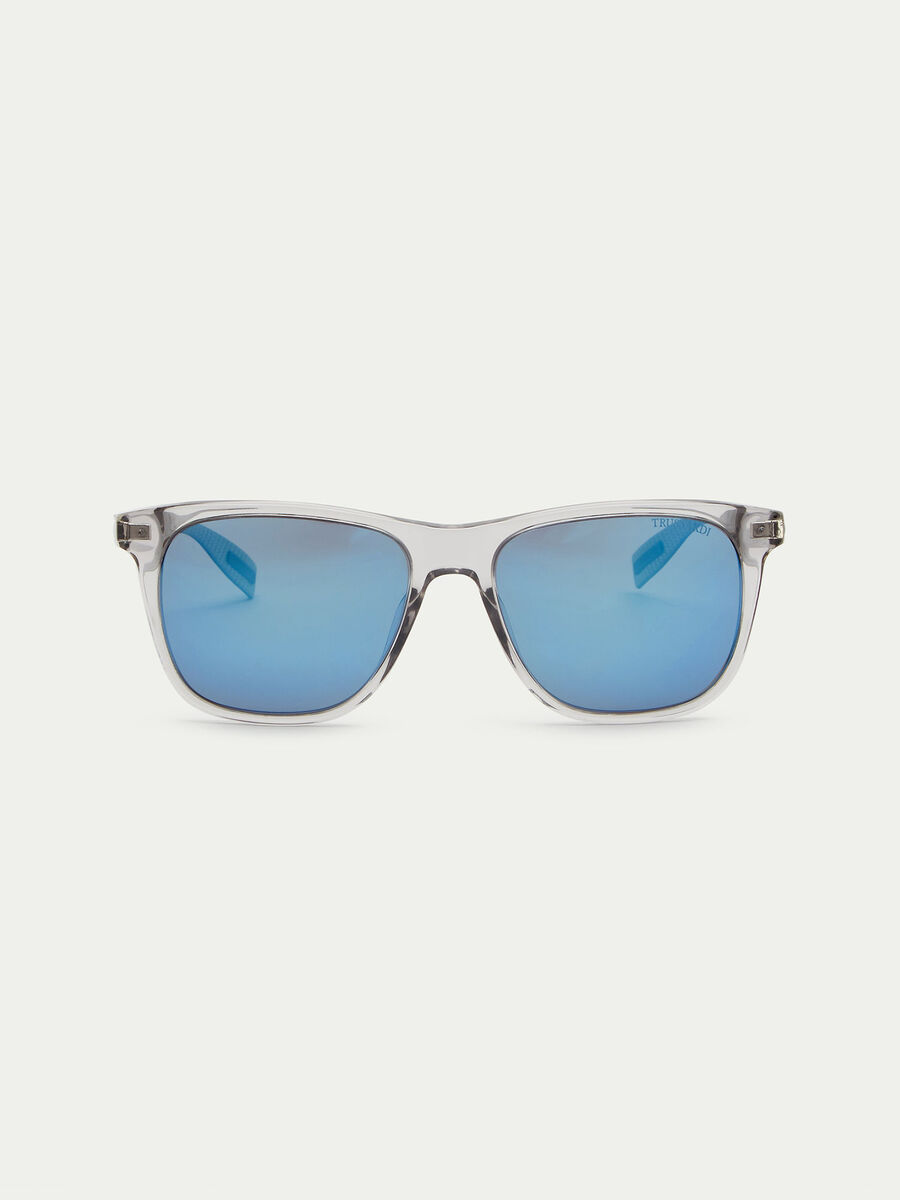 Transparent-framed sunglasses