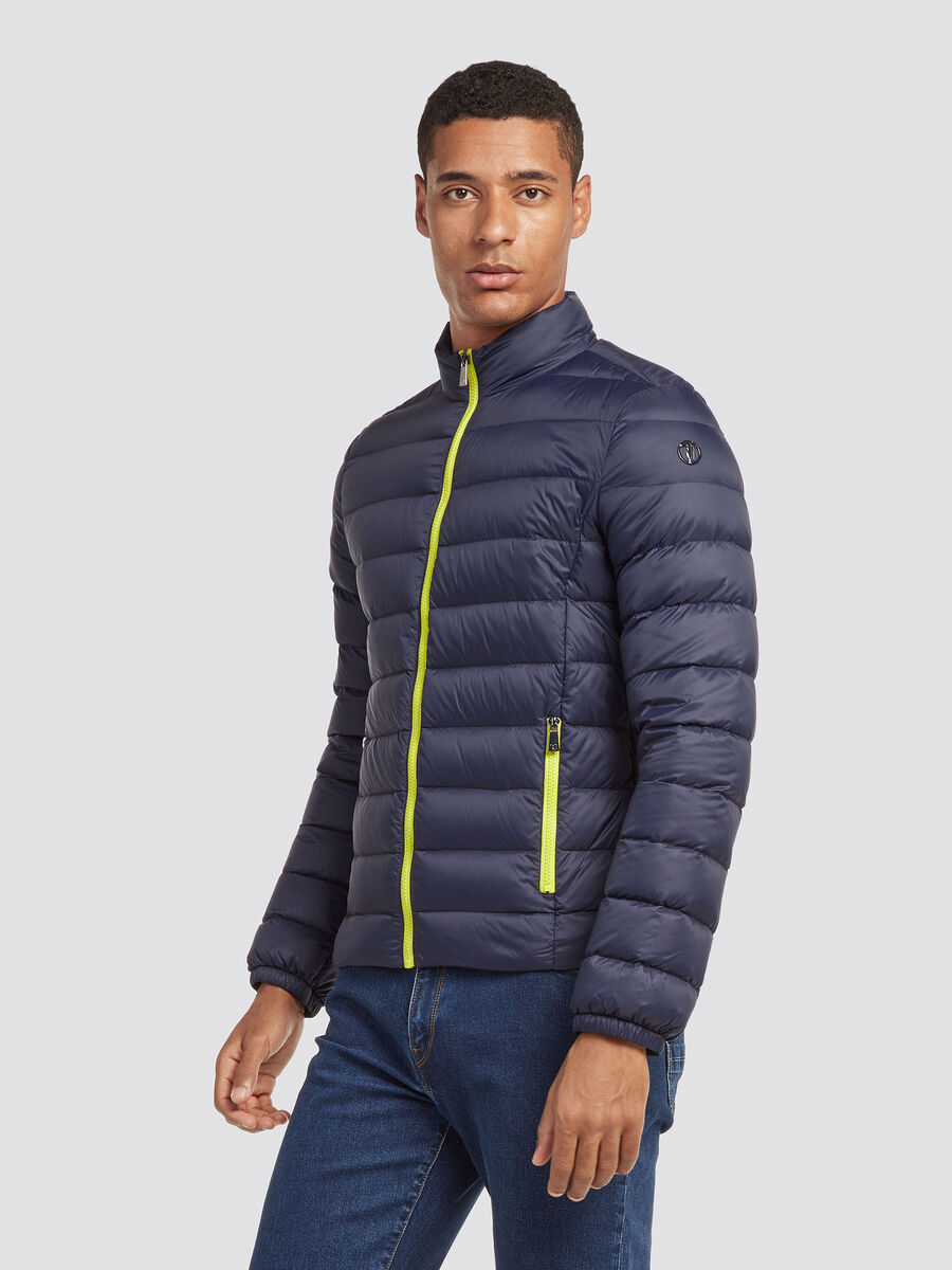Ultraleichte Slim Fit Nylon Daunenjacke