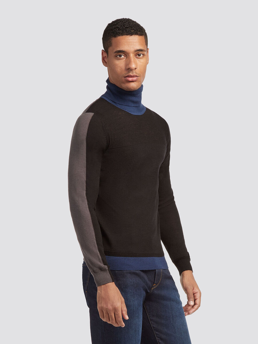 Pullover slim fit a collo alto in pura lana