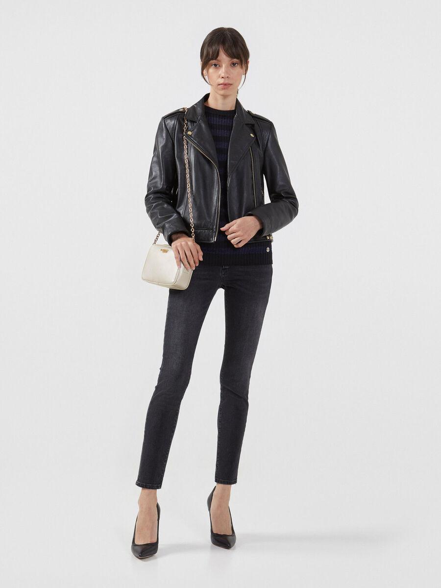 Hose aus Kunstleder und Jersey