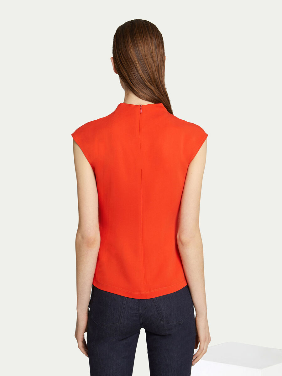 Solid colour round neck blouse in viscose cady