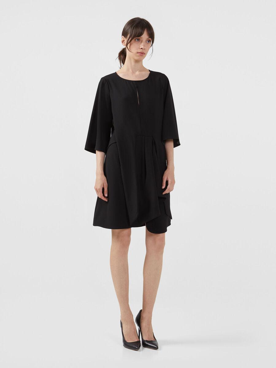 Kleid aus einfarbigem Kreppsatin