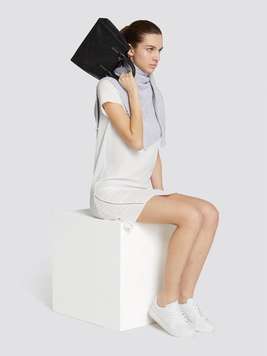 Bolso T-Tote pequeno de saffiano en color liso