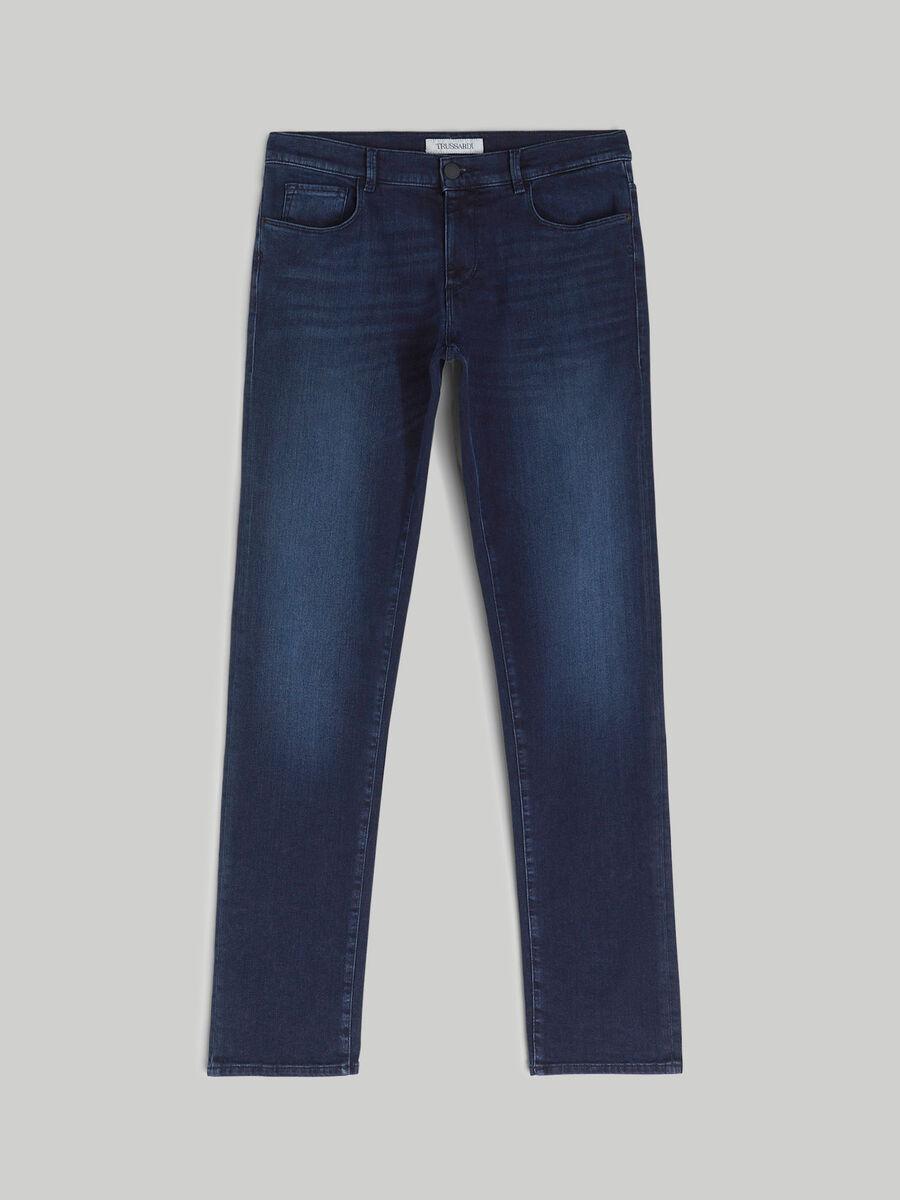 Close 370 jeans in luxe denim