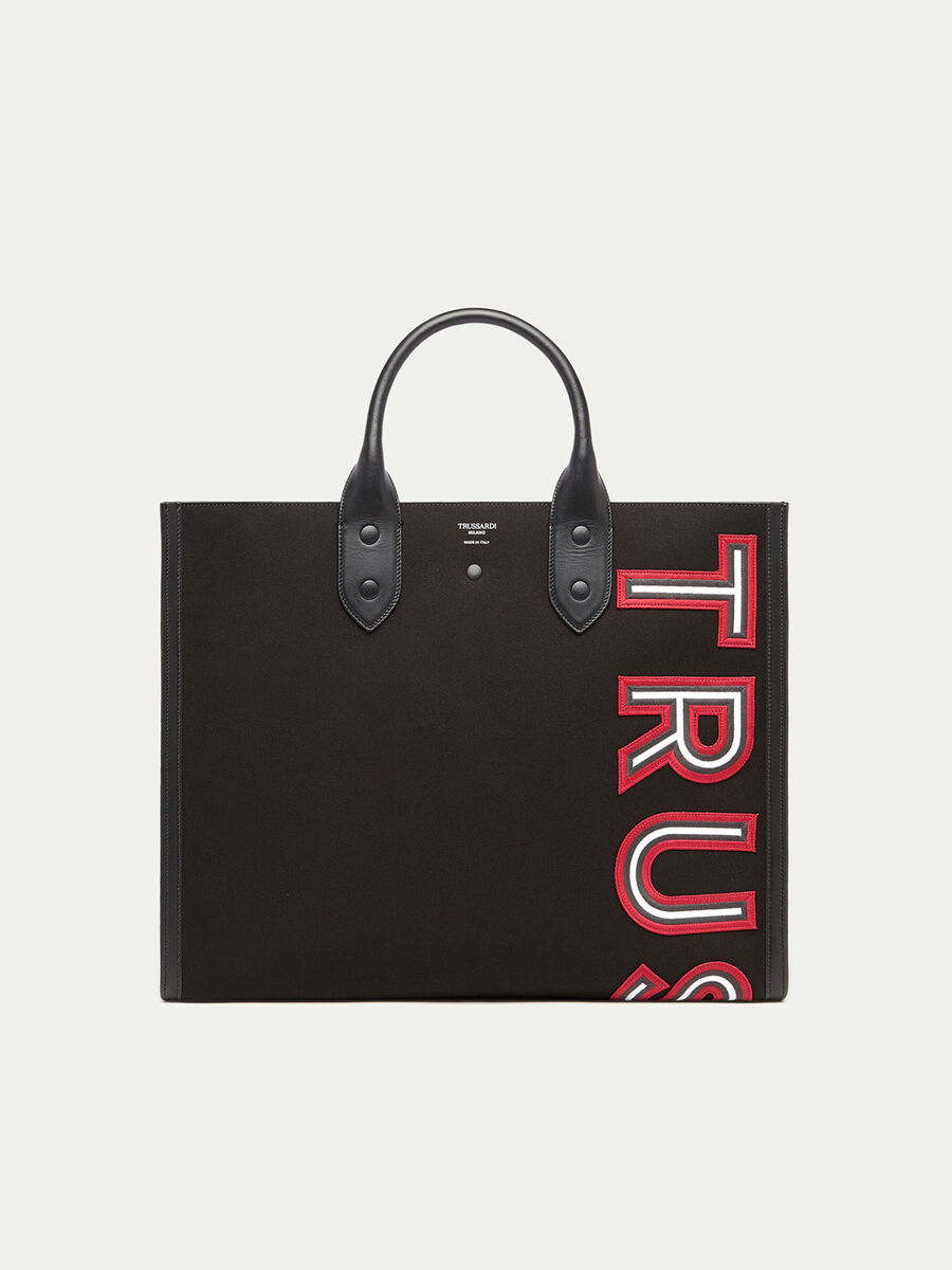 Shopping bag with logo patch