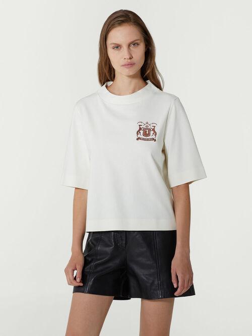 Camiseta de corte regular en algodon con logo bordado