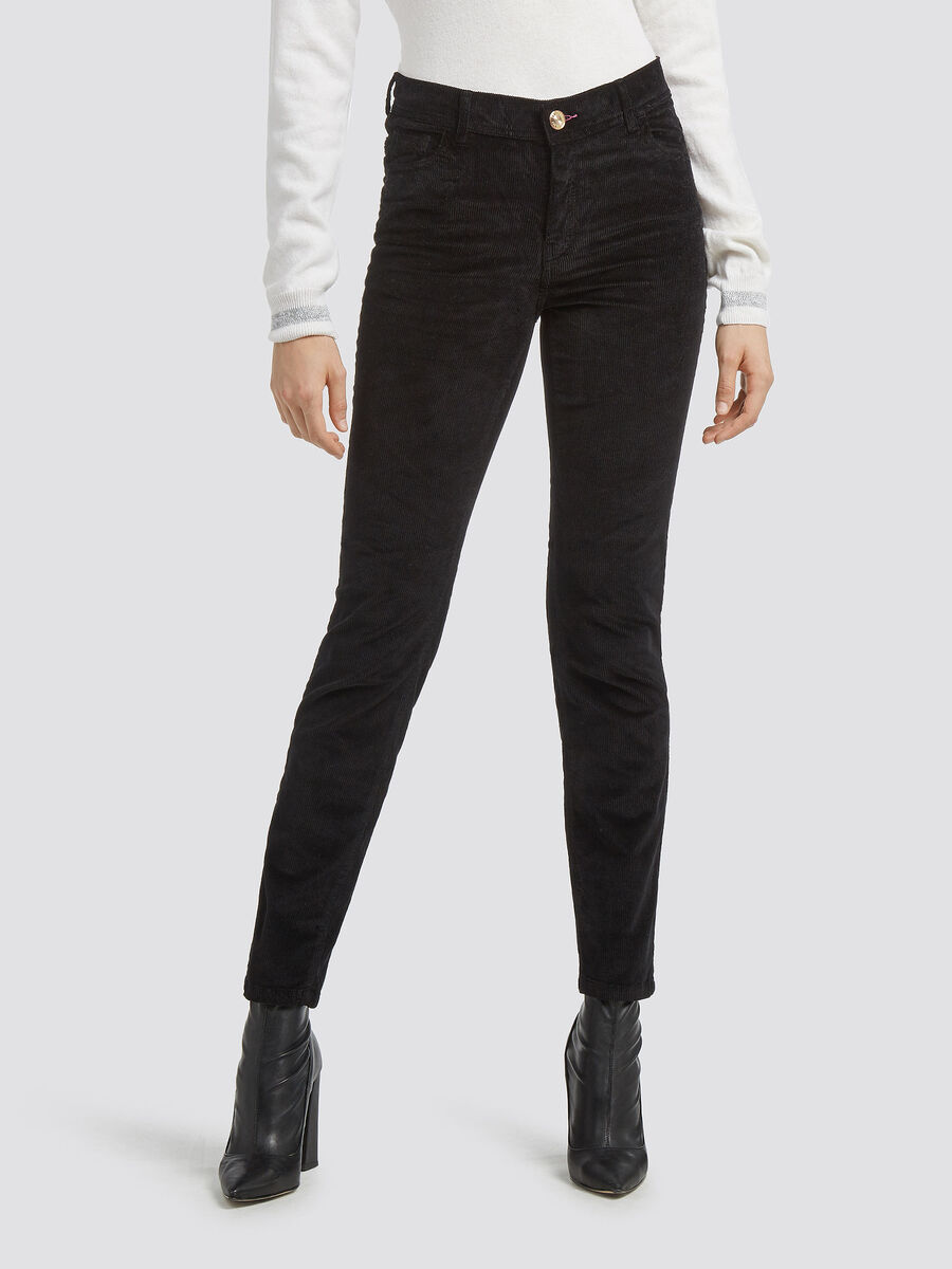Garment dyed skinny jeans