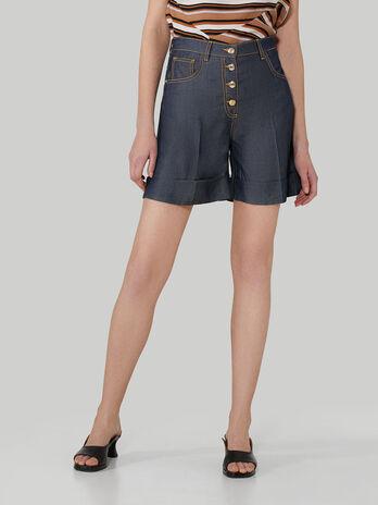 Shorts aus Tencel-Denim mit Knoepfen