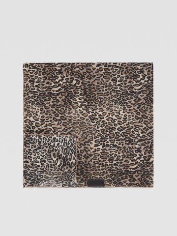 Foulard en soie melangee motif animalier