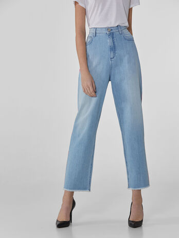 Mom-Fit-Jeans aus extraweichem Denim