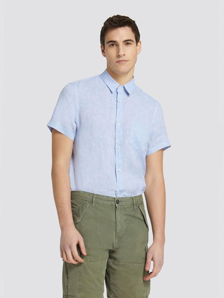 Kurzarmhemd im Close Fit aus gefaerbtem Leinen
