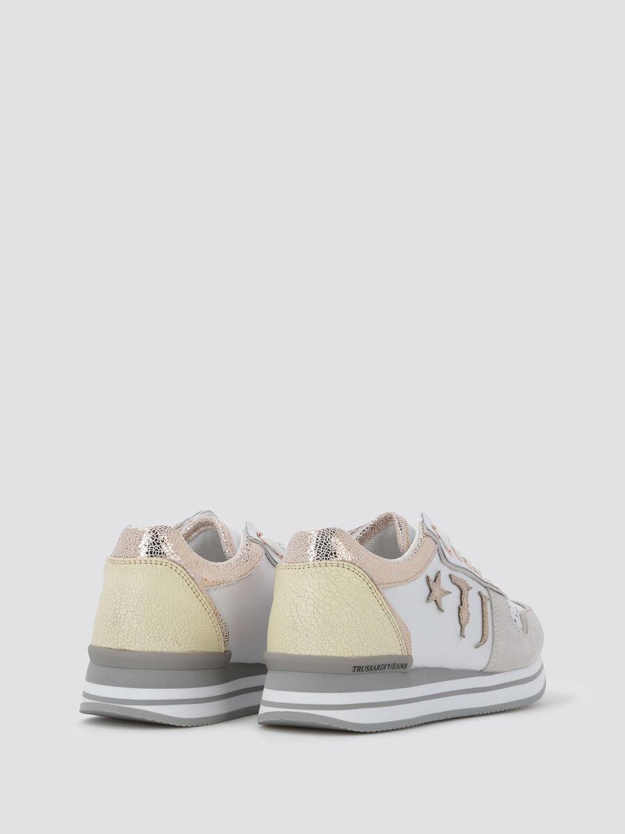 Sneakers ajourees a bordures craquelees