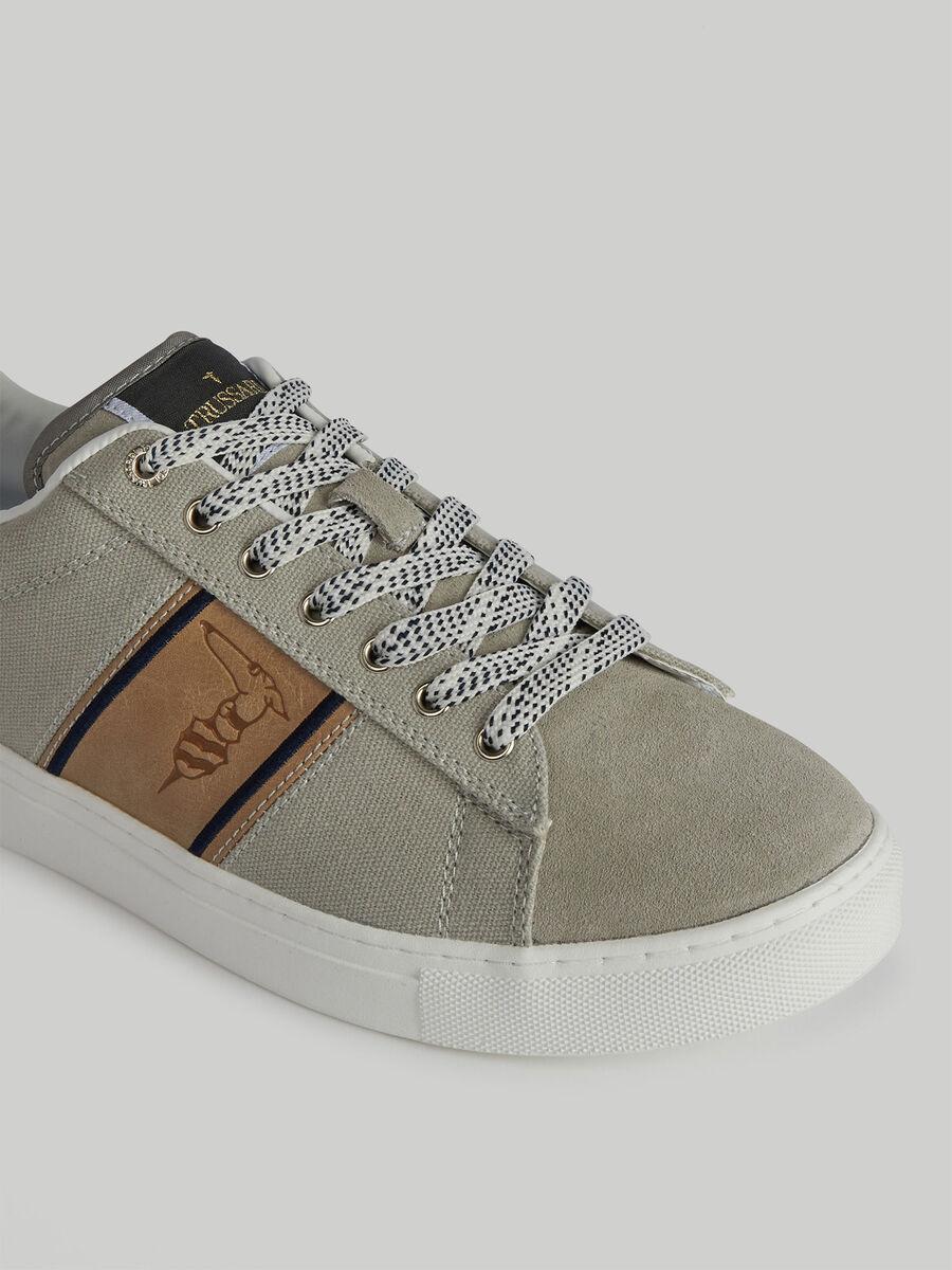 Sneaker Danus aus Canvas und Veloursleder mit Monogram