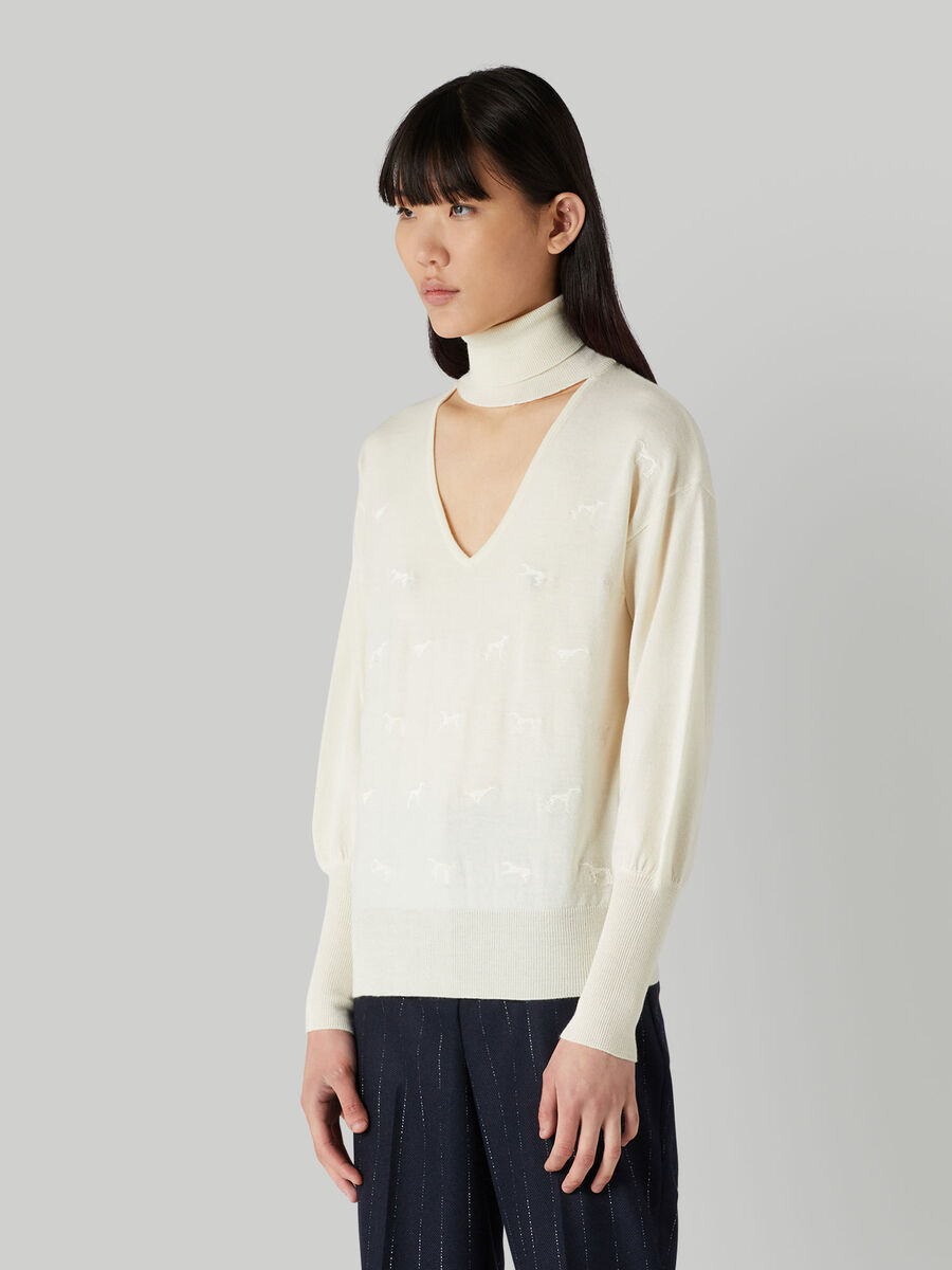 V-neck pure wool pullover