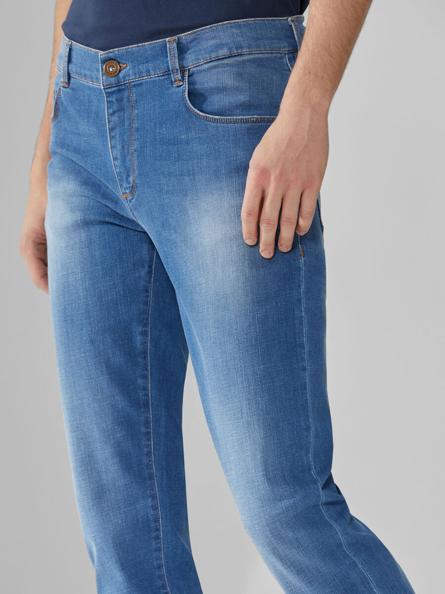 Close 370 jeans in blue Cross Caroline denim