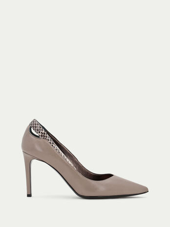 Elaphe and leather pointed pumps