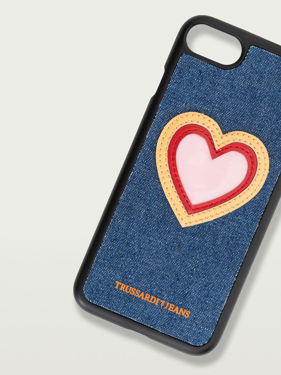 Cover iPhone 7 rigida con patch a cuore