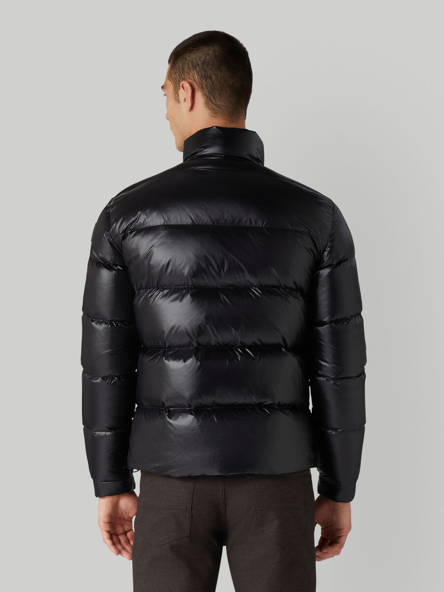 Short down jacket in light nylon with a midi collar