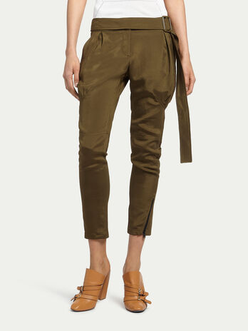 Stretch trousers with zip