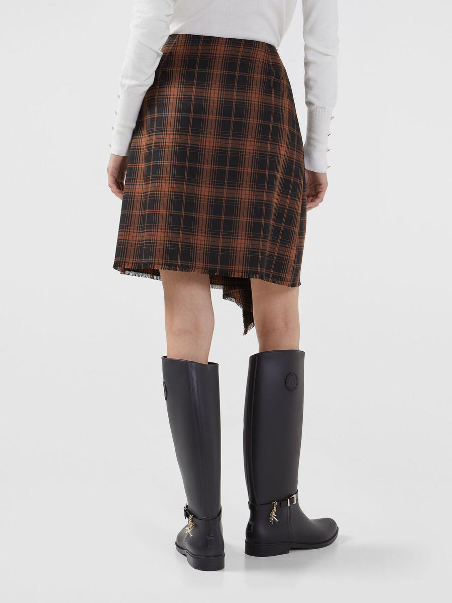 Chequered fabric skirt