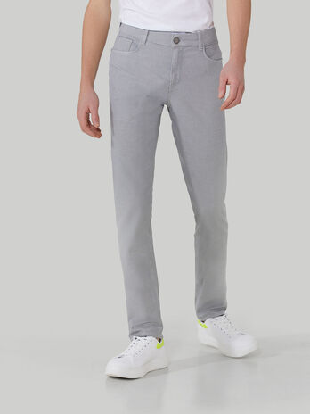 Close 370 trousers in yarn-dyed textured cotton